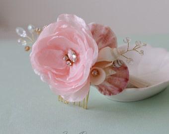 Light Pink Wedding Hair Comb. Seashell Crystals & Flower Hair Comb. Beach Wedding Headpiece