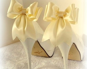 Ivory Wedding Shoe Clips,  Bridal Shoe Clips, Satin Bow Shoe Clips, Shoe CLips,  Shoe Clips for Wedding Shoes, Bridal Shoes, MANY COLORS