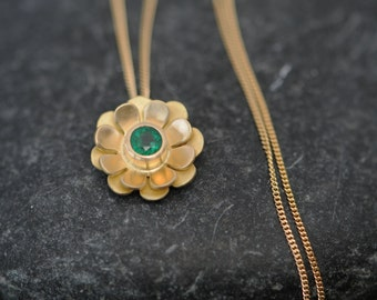 Emerald Gold Necklace - Emerald Flower Pendant Necklace in 18K Gold - Emerald Necklace Christmas Gift for Her - Green Gemstone Necklace -
