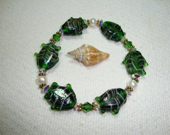 Tropical Green Fish Stretch  Bracelet