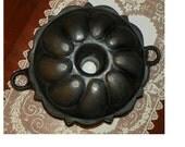 Antique Cast Iron BUNDT CAKE PAN Jelly Mold  Cast Iron Graniteware granite ware pudding
