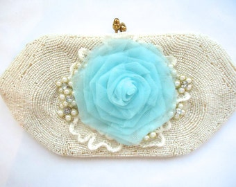 Wedding Clutch Purse, Small White Clutch, Beaded Purse, Vintage White Purse, Flower Decorated Evening Purse, Brides Purse, Beach Wedding Bag