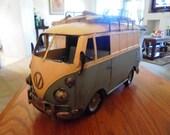Vintage Volkswagon Metal Van Model - 1967 Classic Replica with Surfboards Decorations on Top - Nostalgic Miniature Toy Model