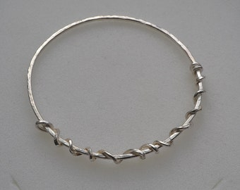UK Hallmarked Sterling Silver Stacking Bangle with Twisted Wire Decoration