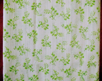 Vintage Unused Fabric Green and White Floral Cotton Print Yardage