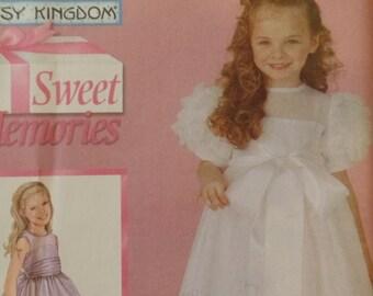 Simplicity 5134  Girls Fancy dress Pattern-Sizes 3-6--UNCUT