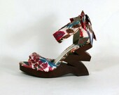 Vintage Strappy Platform Sandal, Ankle Strap Floral 40s/70s Retro Style, Carmen Miranda Zig Zag Platforms, Tropical Clubbing Shoes 9