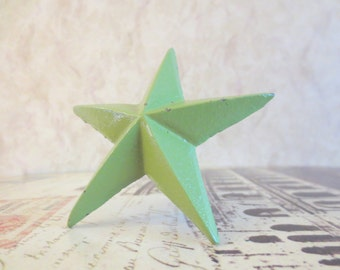 Wine Bottle Stopper - Lime Green Distressed Christmas Star Wine Stopper