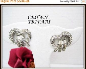 Crown Trifari Rhinestone Earrings - Wedding perfect