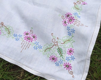 Wonderful hand embroidered vintage table cloth - so pretty!