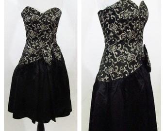 Vintage 1980's Gunne Sax dress - Strapless Sweet heart neckline Black and Gold Party Dress - Gunne Sax Prom dress - Size Small