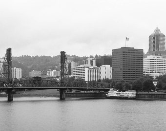 Portland Cityscape looking towards the Hawthorne Bridge