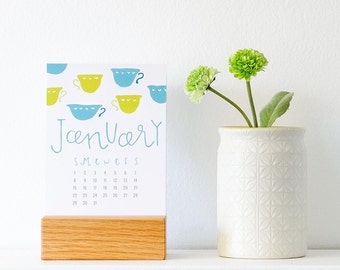 2017 desk calendar with wood stand