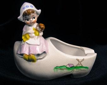 Vintage Ashtray - Dutchgirl Ashtray, Dutch Shoe Ashtray, Kitch Ashtray,  Dutch Ashtray, Windmill Ashtray, Dutch Baby Ashtray, Retro Ashtray