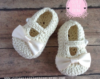 Baby Girl Shoes, Crochet Baby Booties, Baptism, Christening, Baby Booties, Cream Bow Booties