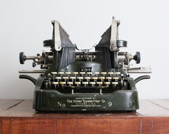 Vintage Working Typewriter - Oliver Portable No 9 Typewriter with New Black Ink Ribbon 1915 Unique Typebar Design 773824