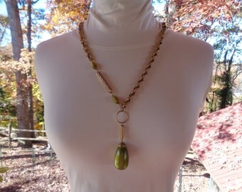 Vintage Sarah Coventry Chunky Gold Tone Chain Necklace with Mod Era Avocado Pendant Beads 60s 70s Jewelry