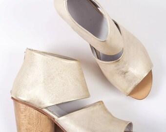 Gold heels, Open toe golden heels, Metallic brides shoes, Wedding shoes