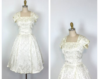 1950s Satin Brocade Fit and Flare Wedding Dress • 50s Short Sleeve Bridal Dress • Knee Length Cocktail Dress • Full Skirt • Large • XL