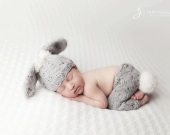 Hand Knit Easter Bunny Hat and Pants set with Stuffed Carrot, Romovable tail, Newborn Photography prop --- Made to order