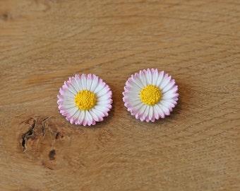 Lawn Daisy Stud or Clip Earring