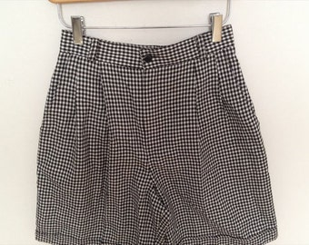 Vintage Black x White Houndtooth High Waist Flare Rayon shorts from 1990's