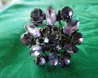 Vintage Costume Ring, Purple Rhinestones Flower Type, Size 7 Flexible