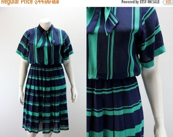SALE 40% off XL Vintage Dress - Navy and Green Stripes