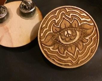 Peace-Eye Flower Wooden Pin