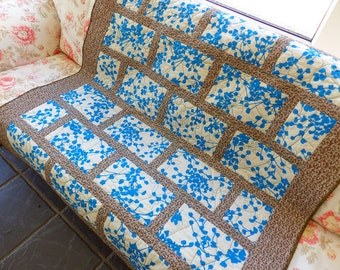 City style quilt throw, lap quilt, modern patchwork quilt in blue and white