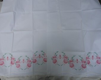 Vintage Pair of Pink Roses Pink Daisies Needlepoint Pillowcases Bright Pink Rose Needlepoint Pillow Cases Summertime Pillowcases