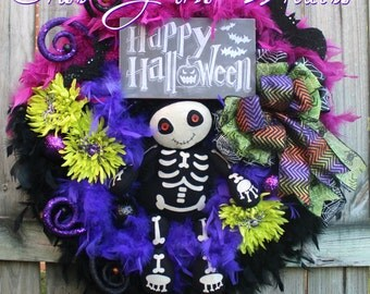 Skeleton Wreath, Halloween Wreath, Happy Halloween Sign, Halloween Decor, Purple Halloween, Fall Wreath, Cute Halloween, Door hanging