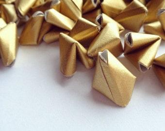 100 metallic gold paper origami heart love messages - wedding - Free worldwide shipping - wedding favour - gold wedding decor