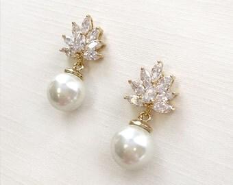Gold Pearl Earrings, Gold Bridal Earrings, Pearl Wedding Earrings, Pearl Earrings, Pearl Bridal Jewelry, Gold Earrings, Earrings ~JE-4064-G