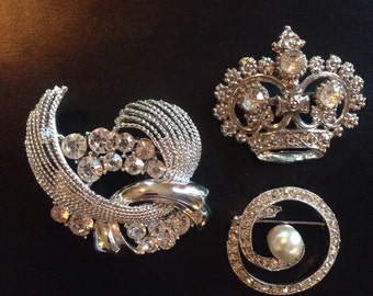Vtg 80s White Rhinestone Pearl Brooch Collection