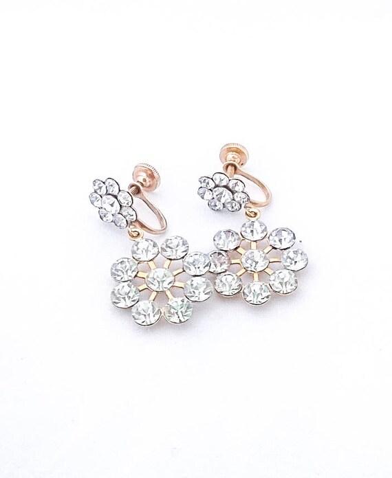 Vintage Handmade Daisy white rhinestone gold tone screw back clip dangle earrings