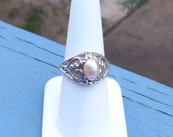 Lovely Light Apricot Pearl Sterling Ring Size 7
