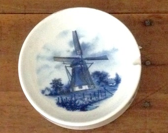 Dutch mill ash tray