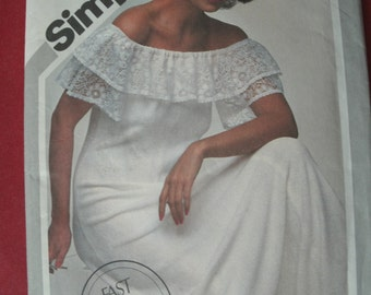 UNCUT and FF Pattern Pieces Simplicity 9964 Sewing Pattern Size 12 Pullover Dress