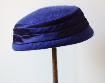 1960s blue low pillbox hat // pillbox hat // vintage hat