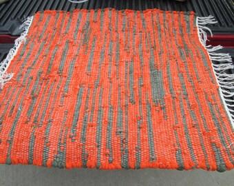 Upcycled cotton blend work sock looper rag rug (061502)