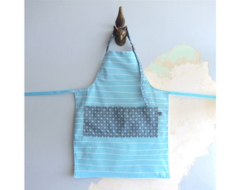 Toddler Apron with pockets - Aqua turquoise