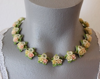 Vintage Molded Plastic Flower Bead Choker with Pastel Colors (retro 40s 50s spring easter adjustable celluloid pink green blue yellow floral
