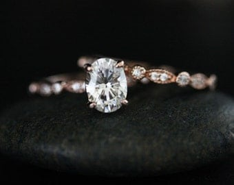 Wedding Ring Set with Moissanite Oval Engagement Ring with 8x6mm Classic Moissanite and Diamond Milgrain Band in 14k Rose Gold