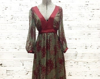 Maroon Bell Sleeve Midi Dress - size 6