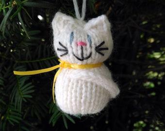 White Snow Kitten Ornament, Handmade Knit, Hanging Decoration, Christmas Tree Trim, Rustic Decor, All Year Decoration