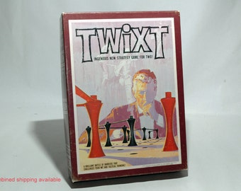 Twixt Strategy Game from Avalon Hill 1976 COMPLETE (read description)