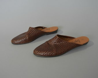 1990s dark brown woven leather flats - size 9