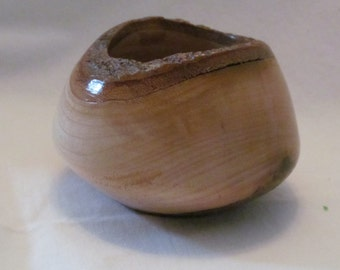 Small Mesquite Bowl with Natural Edge by Latheplay