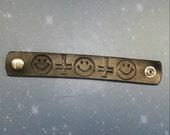Smiley 90s satanic clubkid witch bracelet